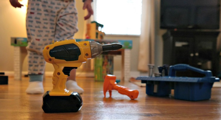 Pretend toys for 2-year-olds: Tools